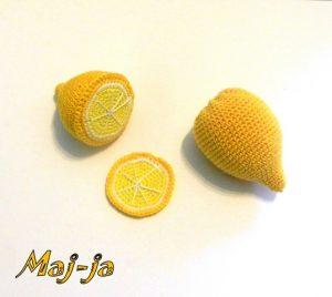 Вязаный лимон.