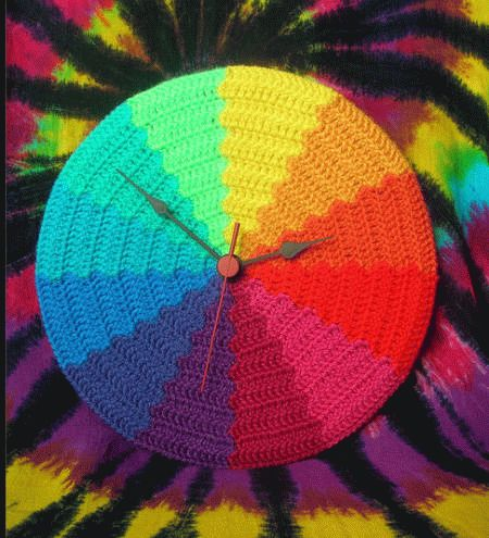 rainbow-crochet-clock