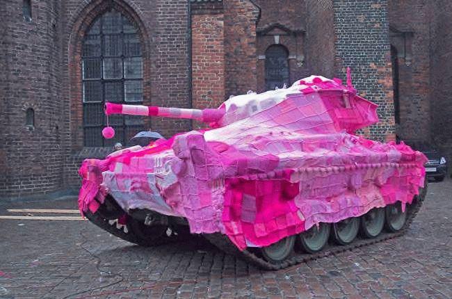 Pink_tank