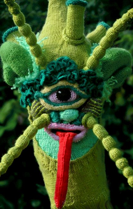 1335385903_knitted_monsters_21