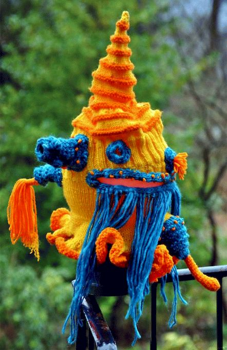 1335385925_knitted_monsters_17