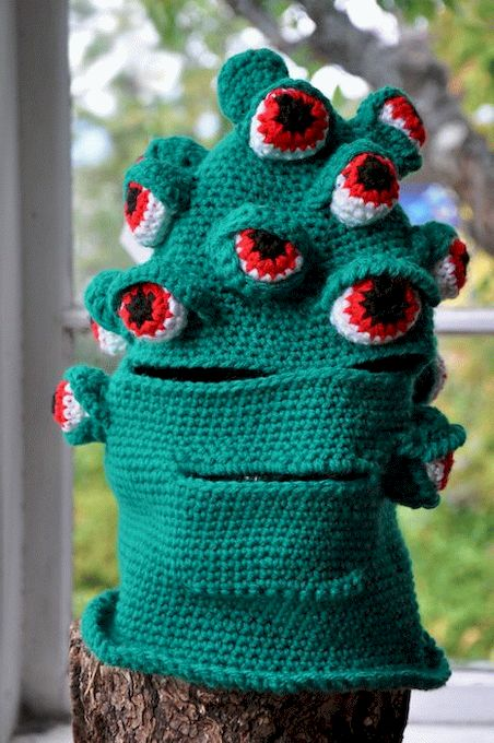 1335385957_knitted_monsters_05