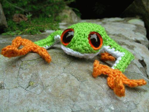 вязаная лягушка-описание на англ.языке