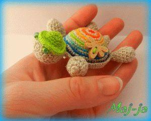 Новая игрушка в ручку- Миниатюрная милашка- летняя черепашка! Выросла всего на 8 см в длину и 3 см в высоту. цена игрушки 300 рублей
