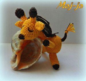 Вязаная игрушка Жираф-сплюшка