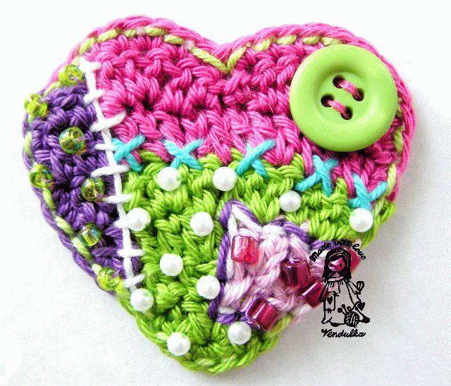 вязаные крючком маленькие сердечки
