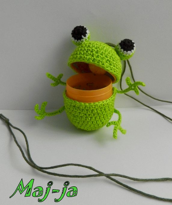 Вязаный лягушонок