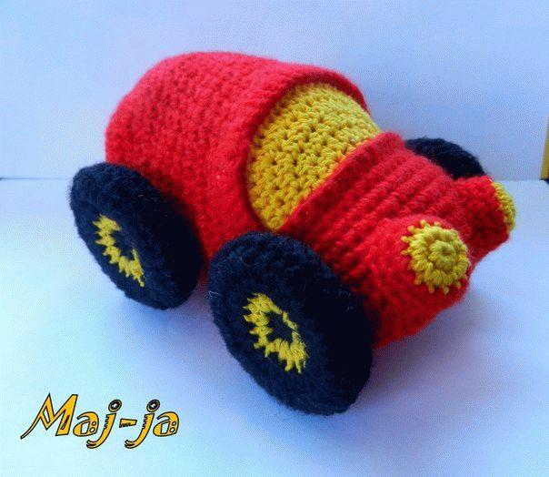 Вязаные игрушки: вязаная машина