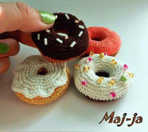вязаные сладости: вязаные пончики, донатсы.