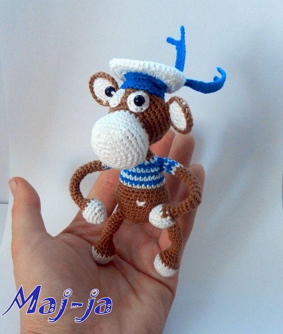 Вязаная игрушка обезьянка - коллекционная игрушка.