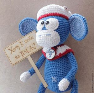 Вязаные обезьянки- игрушки.