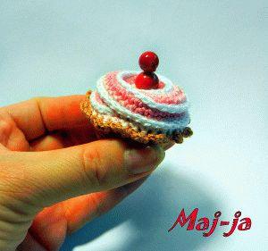 Вязаные пирожные. Мастер-класс из серии Вязаные сладости.
