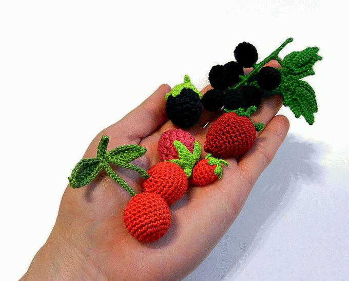 Вязаные крючком фрукты.